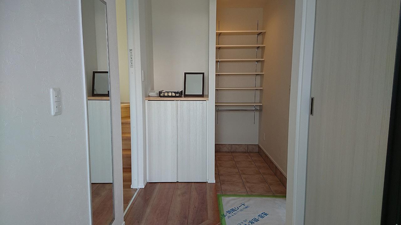 玄関、大容量の収納